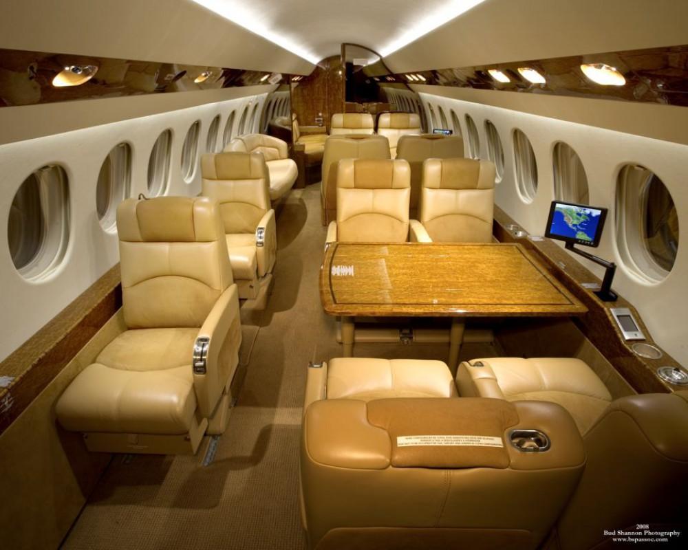 falcon 7x tly location de jet. Black Bedroom Furniture Sets. Home Design Ideas